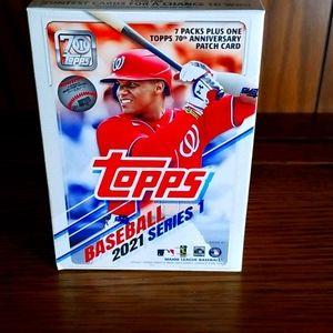 2021 Topps blaster box of baseball cards, 99 cards
